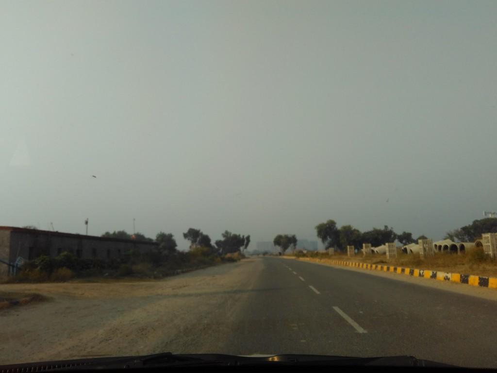 Towards sector 99, Dwarka Expressway