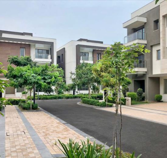 Well planned inner roads and greenery at Sobha international city