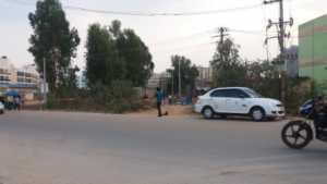Road leading to Shriram Summitt