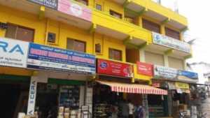 Shops on the way to Shriram Summitt