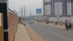 Road leading to Neotown from Electronic City, GM Infinite Global Techies Town