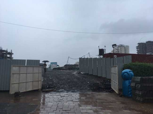Puraniks Tokyo Bay under construction
