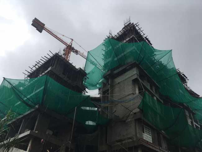 Puraniks Tokyo Bay under construction tower