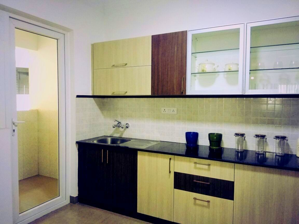 Sterling Ascentia: Kitchen & utility area from the sample apartment